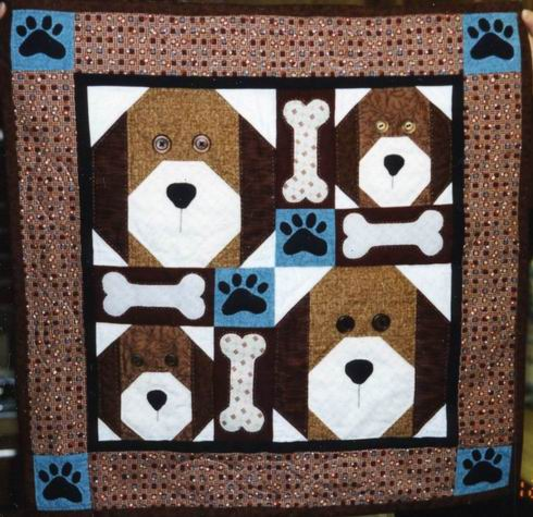 Christmas Quilt Patterns : QuiltersWareHouse.com